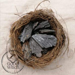 קיאנייט שחור גולמי